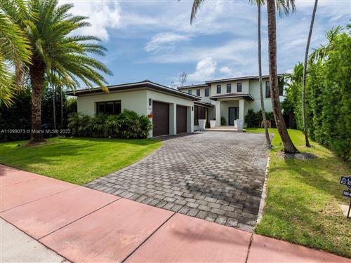 Photo of 710 S Shore Dr, Miami Beach, FL 33141 (MLS # A11099073)
