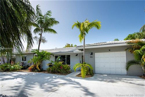 Photo of 316 SE 10th Ct, Deerfield Beach, FL 33441 (MLS # A10904076)