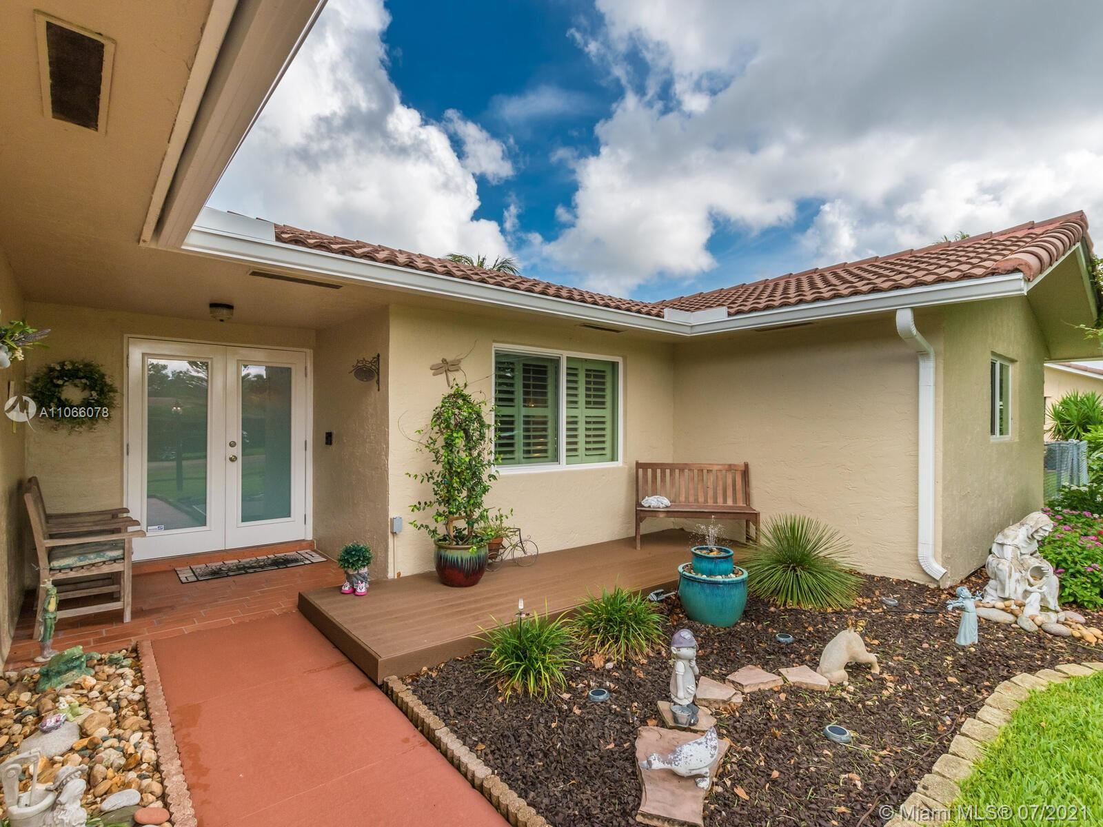 Photo of 5589 SW 113th Ave, Cooper City, FL 33330 (MLS # A11066078)