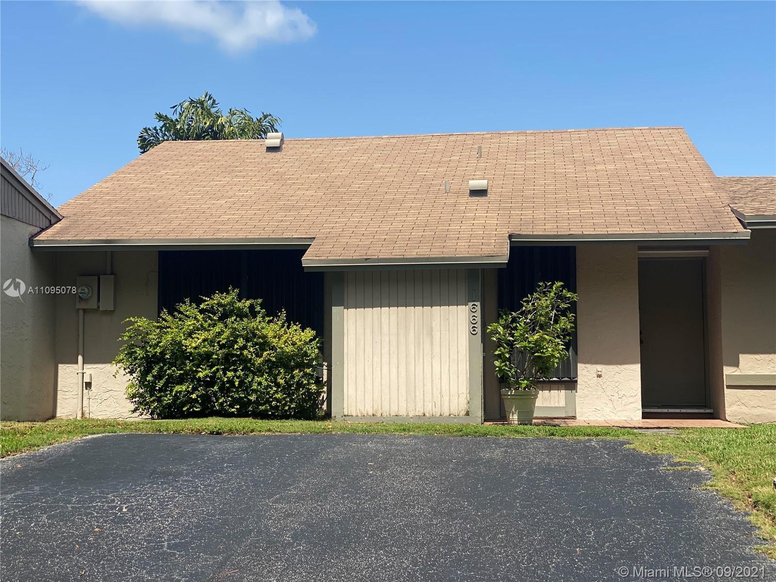 11666 SW 112th Ave #1, Miami, FL 33176 - #: A11095078