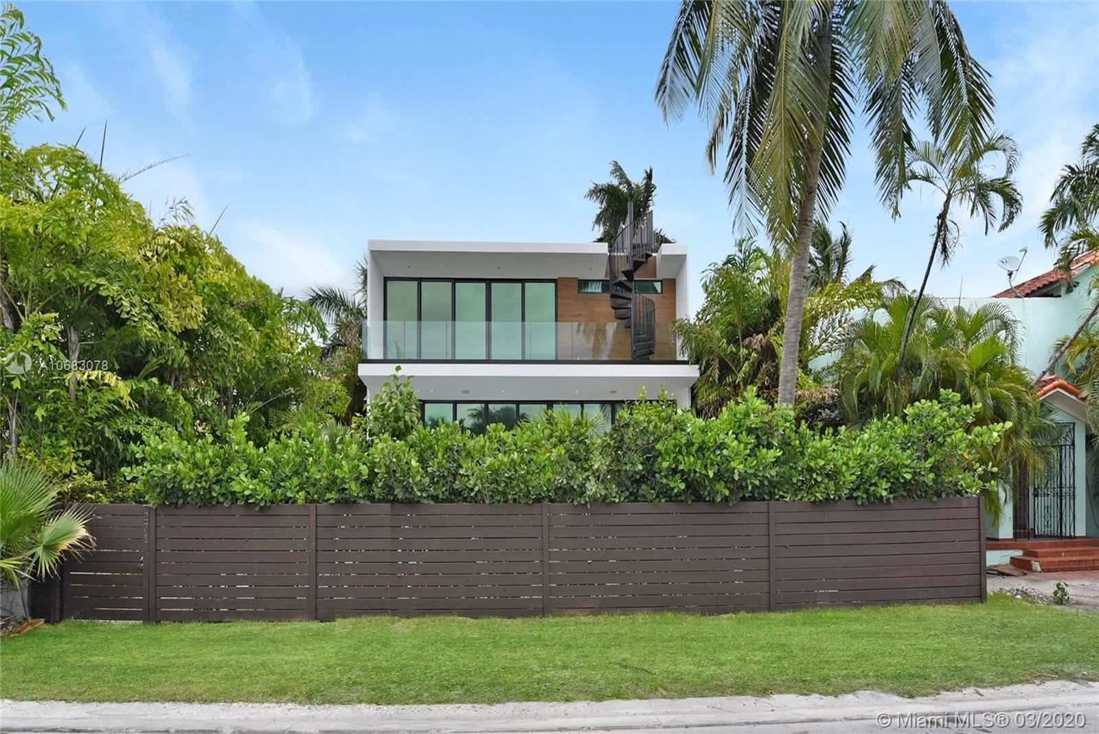 Photo 15 of Listing MLS a10683078 in 272 Palm Ave Miami Beach FL 33139