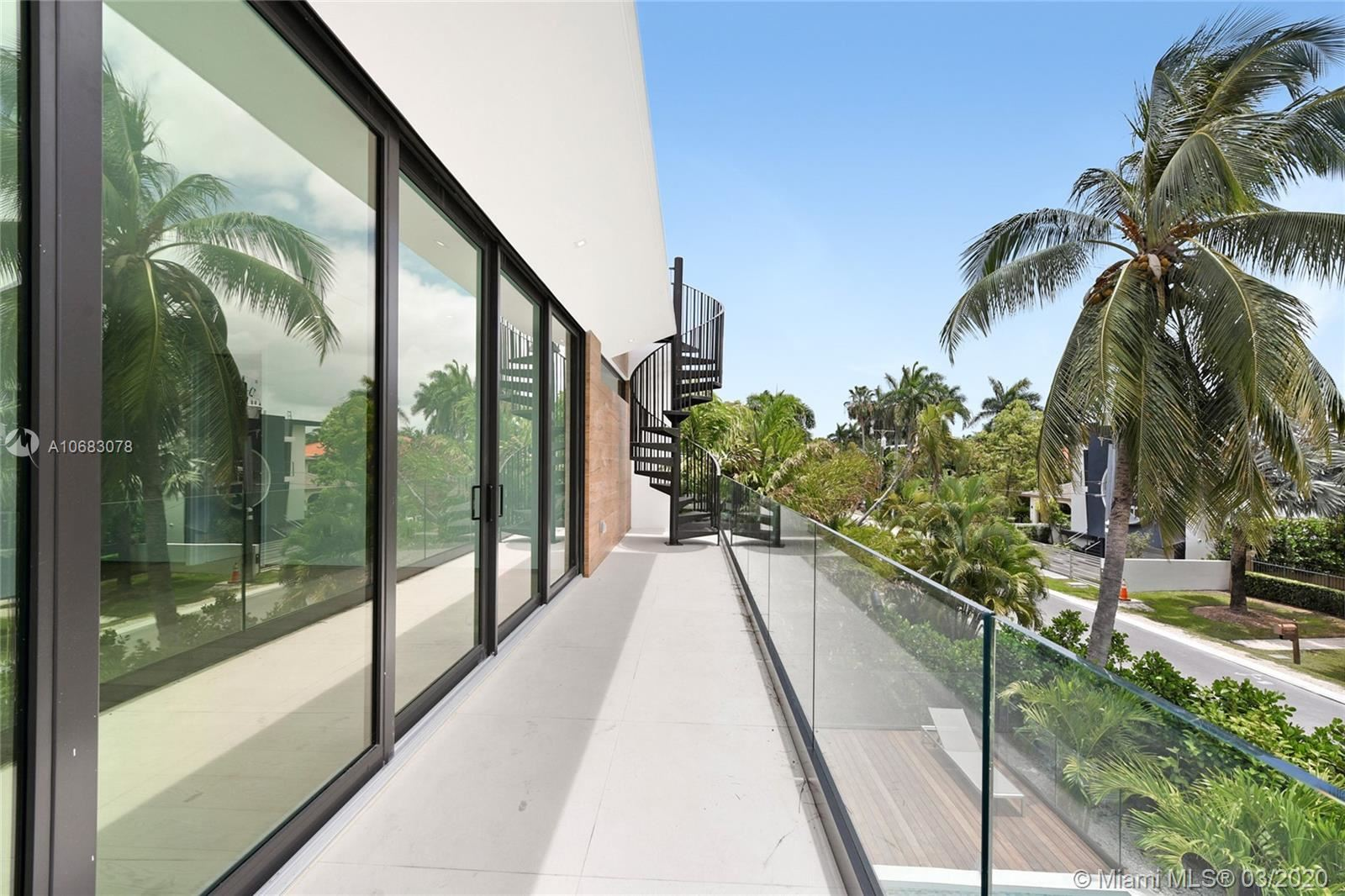 Photo 19 of Listing MLS a10683078 in 272 Palm Ave Miami Beach FL 33139