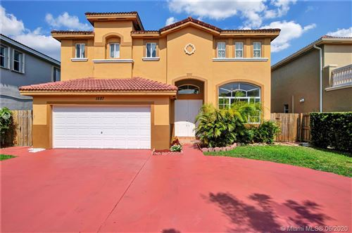 Photo of Listing MLS a10849081 in 1587 SW 154th Ct Miami FL 33194