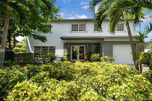Foto de inmueble con direccion 7921 SW 16th St Miami FL 33155 con MLS A10857082