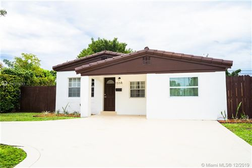 Foto de inmueble con direccion 1558 NE 182nd St North Miami Beach FL 33162 con MLS A10778083