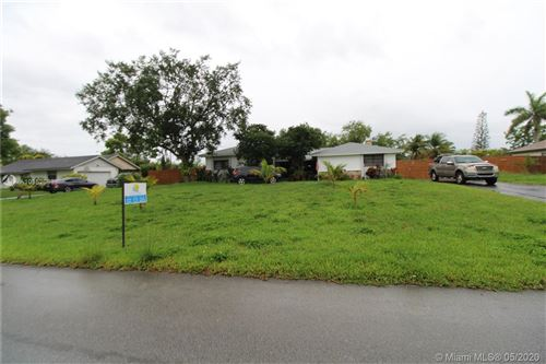 Foto de inmueble con direccion 1412 NW 20th St Homestead FL 33030 con MLS A10852083