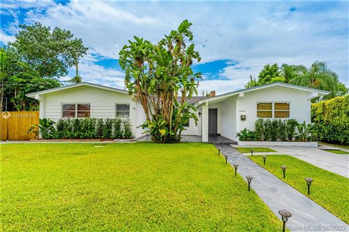 Photo of Listing MLS a10879083 in 8240 SW 42nd St Miami FL 33155