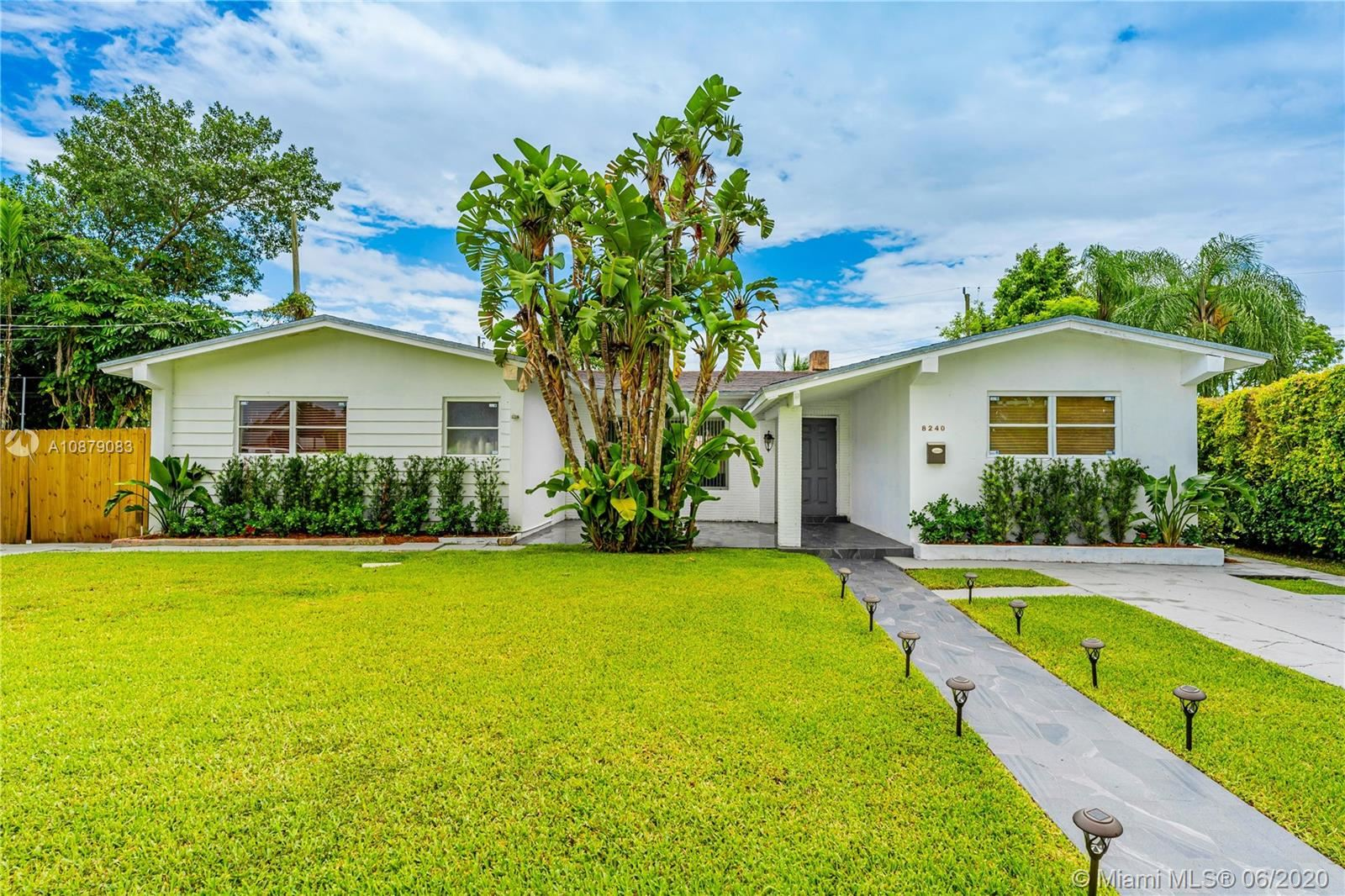 8240 SW 42nd St, Miami, FL 33155 - #: A10879083