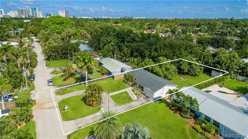 Foto de inmueble con direccion 1724 SW 4th St Fort Lauderdale FL 33312 con MLS A10897084