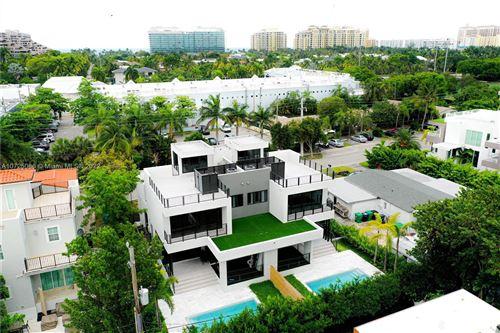 Photo of 300 Fernwood Rd, Key Biscayne, FL 33149 (MLS # A10725086)