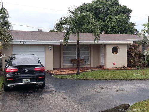 Photo of 8761 S Bermuda Dr, Miramar, FL 33025 (MLS # A10964086)