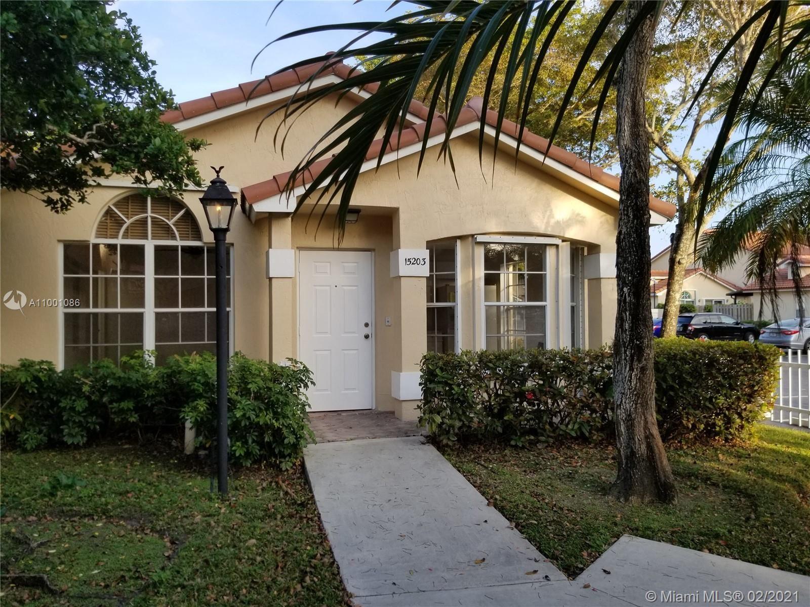 15203 SW 111th St, Miami, FL 33196 - #: A11001086