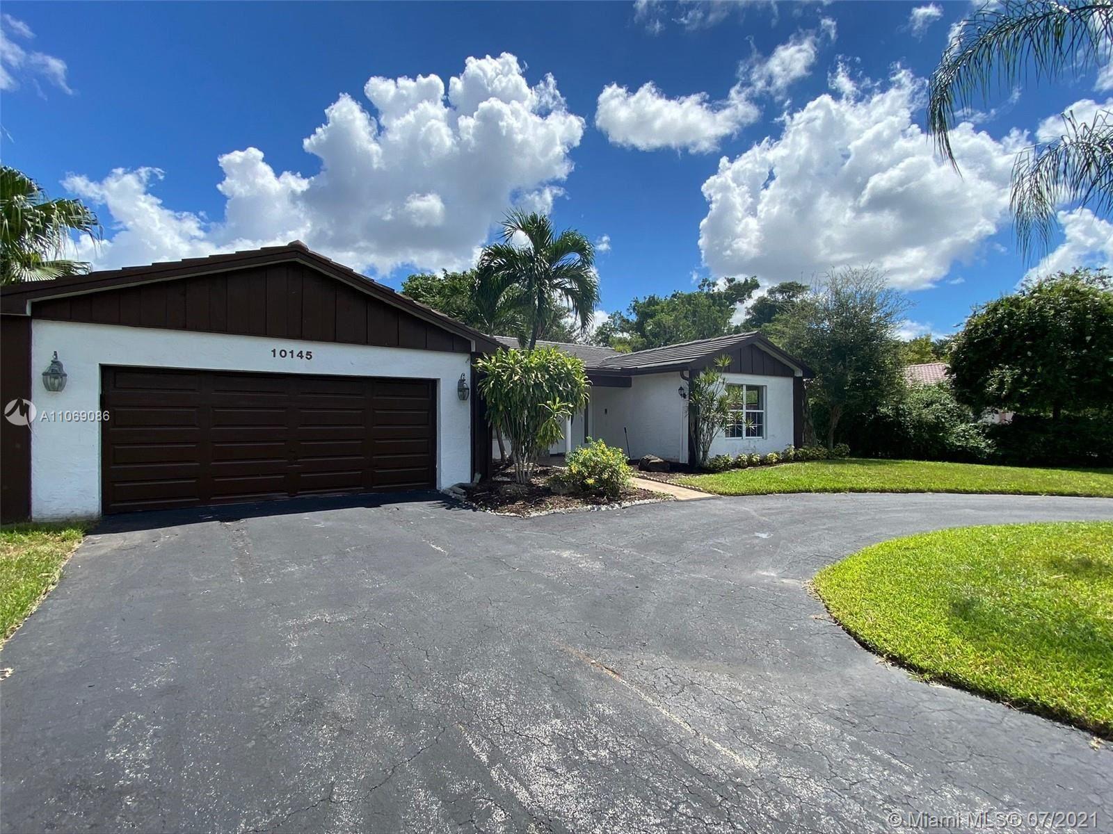 10145 Ramblewood Dr, Coral Springs, FL 33071 - #: A11069086