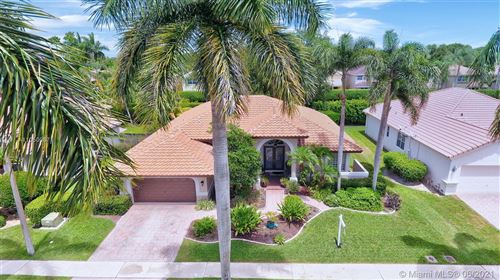 Photo of 102 NW 108th Ter, Plantation, FL 33324 (MLS # A11050087)