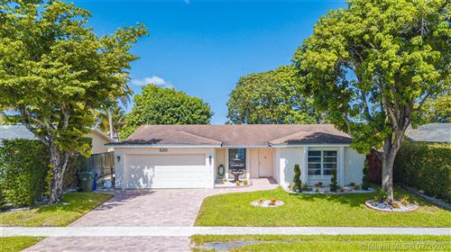 Photo of 520 NW 89th Ter, Pembroke Pines, FL 33024 (MLS # A10886089)