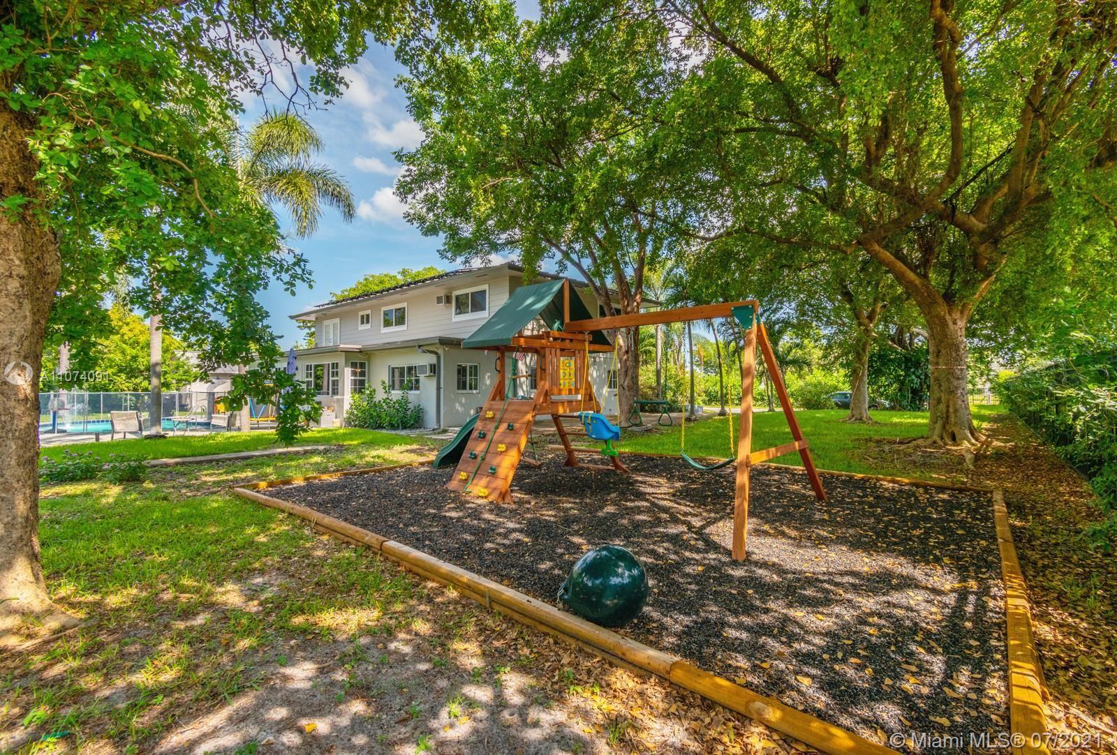 Photo of 1220 NE 9th Ct, Pompano Beach, FL 33060 (MLS # A11074091)