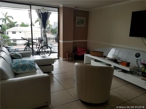 Foto de inmueble con direccion 2935 NE 163rd St #3K North Miami Beach FL 33160 con MLS A10778092