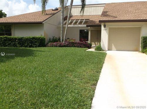 Photo of 6169 Brandon St, Palm Beach Gardens, FL 33418 (MLS # A10926093)