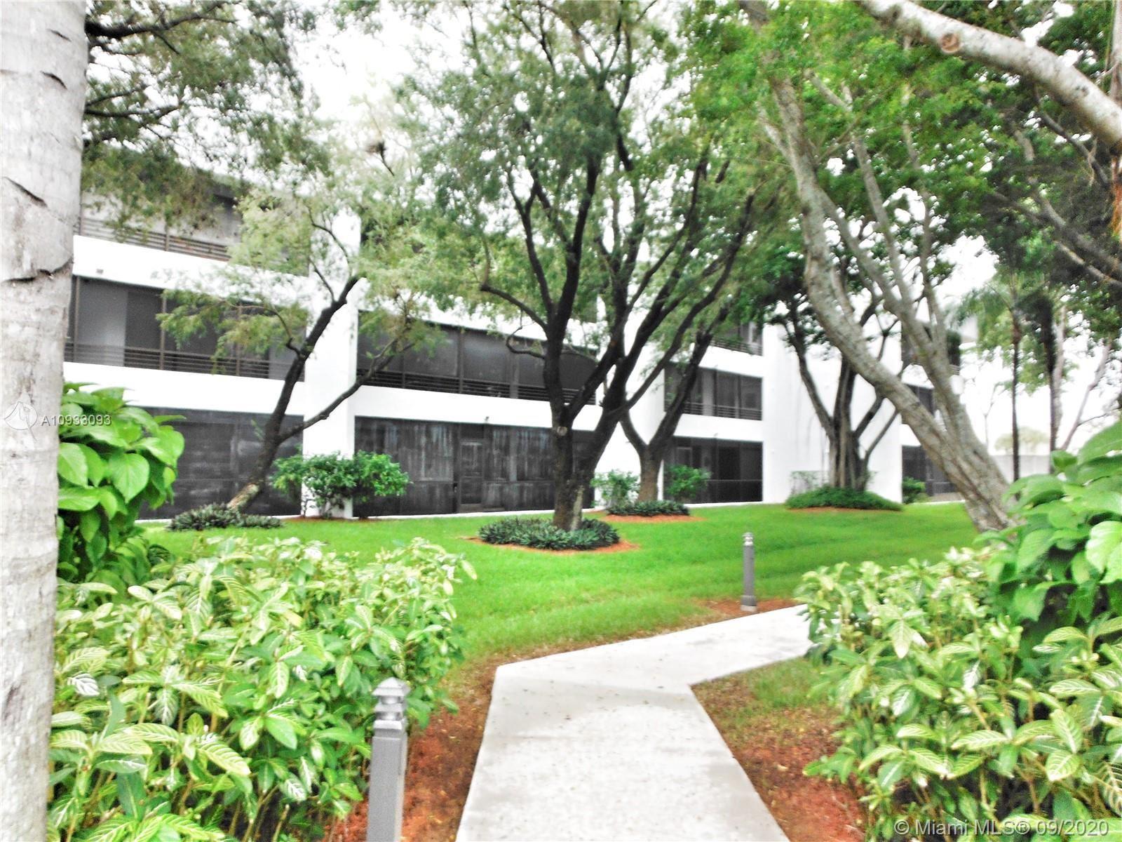 Photo of 1480 Sheridan St #4B, Hollywood, FL 33020 (MLS # A10933093)