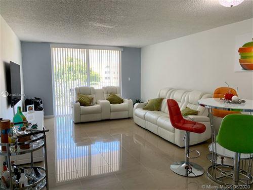 Foto de inmueble con direccion 6950 Miami Gardens Dr #2-414 Hialeah FL 33015 con MLS A10863094