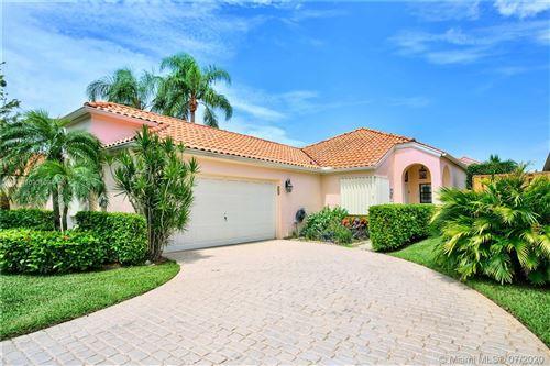 Photo of 2516 La Cristal Cir #2516, Palm Beach Gardens, FL 33410 (MLS # A10901094)