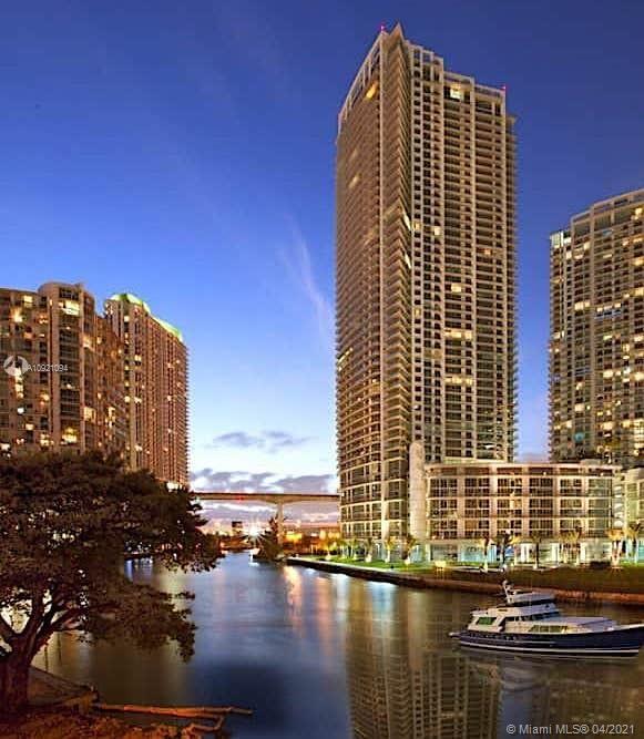 92 SW 3rd St #PH08, Miami, FL 33130 - #: A10921094
