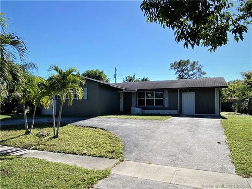 Photo of 1544 43rd St, West Palm Beach, FL 33407 (MLS # A10975097)
