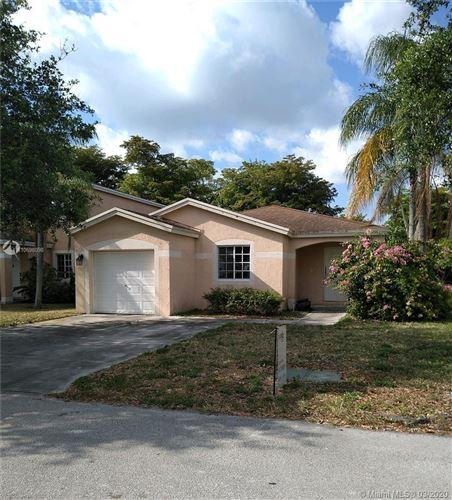 Foto de inmueble con direccion 4621 SW 12 St Deerfield Beach FL 33442 con MLS A10698098