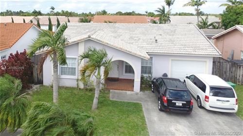 Foto de inmueble con direccion 15107 SW 172nd Ter Miami FL 33187 con MLS A10822099