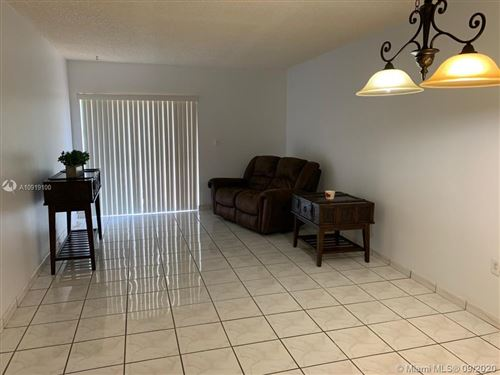 Foto de inmueble con direccion 1950 W 54th St #308 Hialeah FL 33012 con MLS A10919100