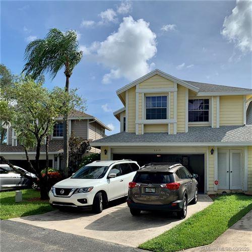 Photo of 5319 Park Place Cir, Boca Raton, FL 33486 (MLS # A10930101)