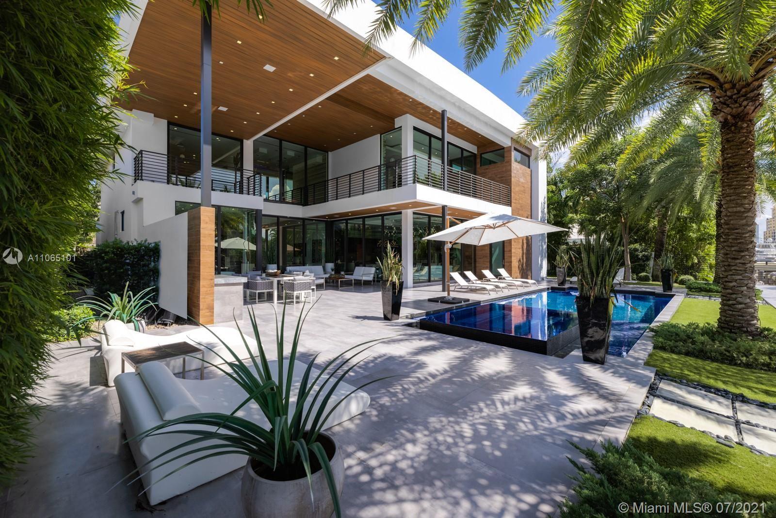 Photo of 2542 Aqua Vista Blvd, Fort Lauderdale, FL 33301 (MLS # A11065101)
