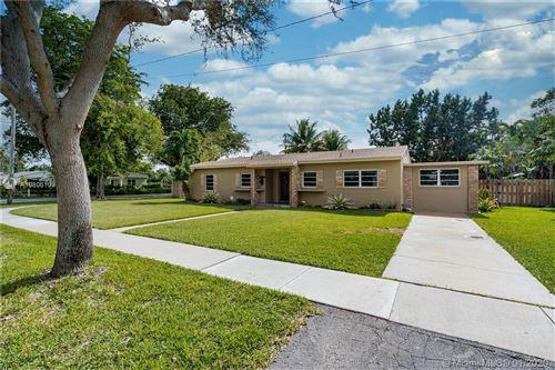 Photo of Listing MLS a10806103 in 890 NE 129th St North Miami FL 33161