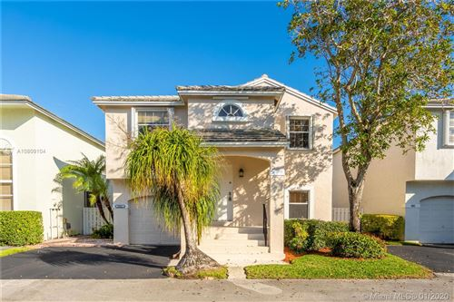 Photo of Listing MLS a10809104 in 9921 NW 9th Ct Plantation FL 33324