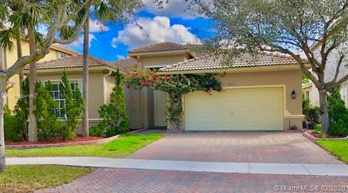 Photo of Listing MLS a10804105 in 4092 Cascade Ter Weston FL 33332