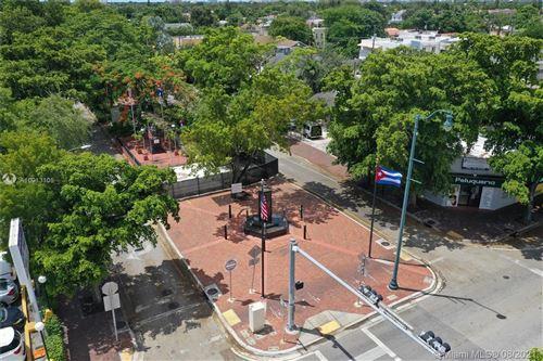 Foto de inmueble con direccion 875 SW 13th Ave Miami FL 33135 con MLS A10913105