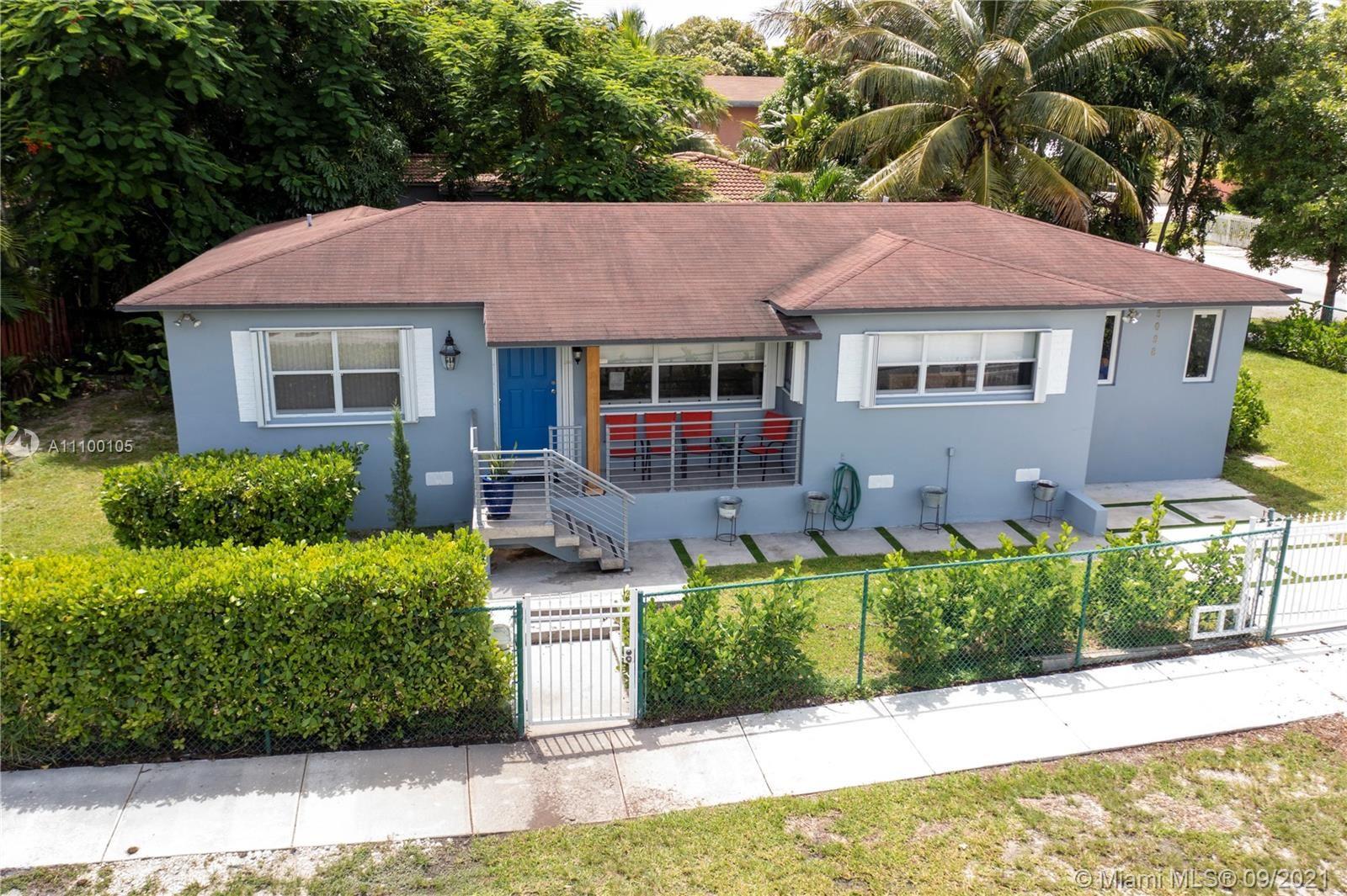 3098 NW 5th St, Miami, FL 33125 - #: A11100105