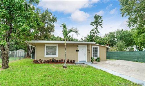 Photo of 950 31st St, West Palm Beach, FL 33407 (MLS # A10954106)