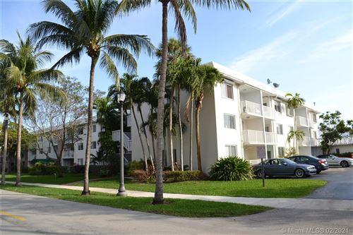 Photo of 240 Galen Dr #315, Key Biscayne, FL 33149 (MLS # A10989106)