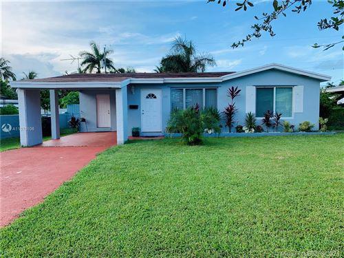 Photo of 813 NE 2nd St, Hallandale Beach, FL 33009 (MLS # A11076106)