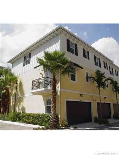 Photo of Listing MLS a10725107 in 2291 NE 9th Ave #2291 Wilton Manors FL 33305
