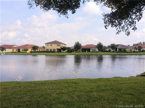 Photo of 2502 Vicara Ct, Royal Palm Beach, FL 33411 (MLS # A10933108)