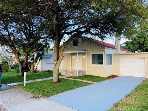 Foto de inmueble con direccion 506 N B St Lake Worth FL 33460 con MLS A10830114