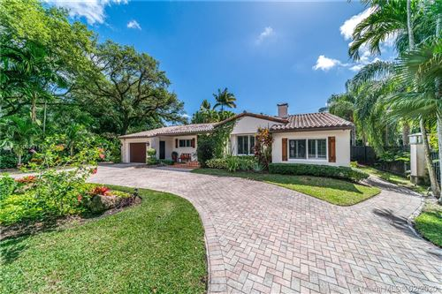 Photo of 922 Castile Ave, Coral Gables, FL 33134 (MLS # A10823117)
