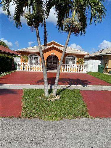 Foto de inmueble con direccion 12604 NW 98th Ct Hialeah Gardens FL 33018 con MLS A10918117