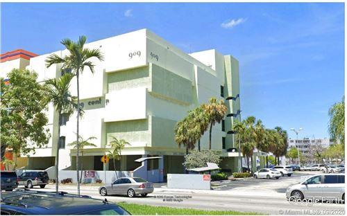 Photo of 909 N Miami Beach Blvd #201, North Miami Beach, FL 33162 (MLS # A10921117)