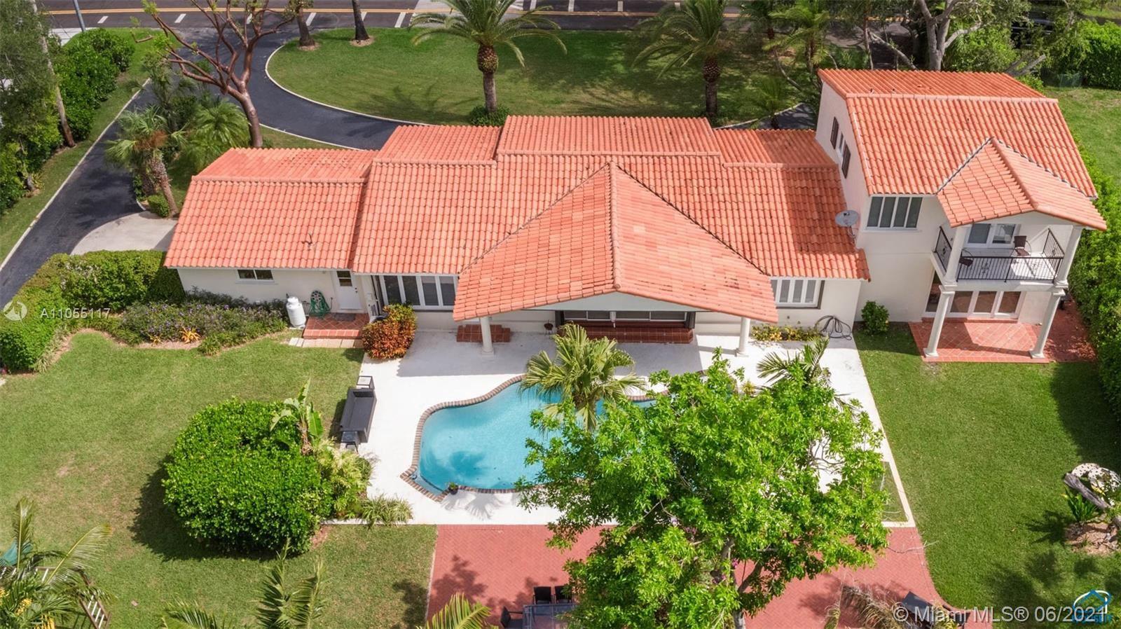 Photo of 5940 SW 79 St, South Miami, FL 33143 (MLS # A11055117)