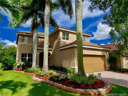 Foto de inmueble con direccion 1070 Bluewood Ter Weston FL 33327 con MLS A10836118