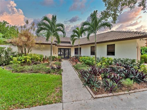 Photo of 4980 SW 195th Ter, Southwest Ranches, FL 33332 (MLS # A10967118)