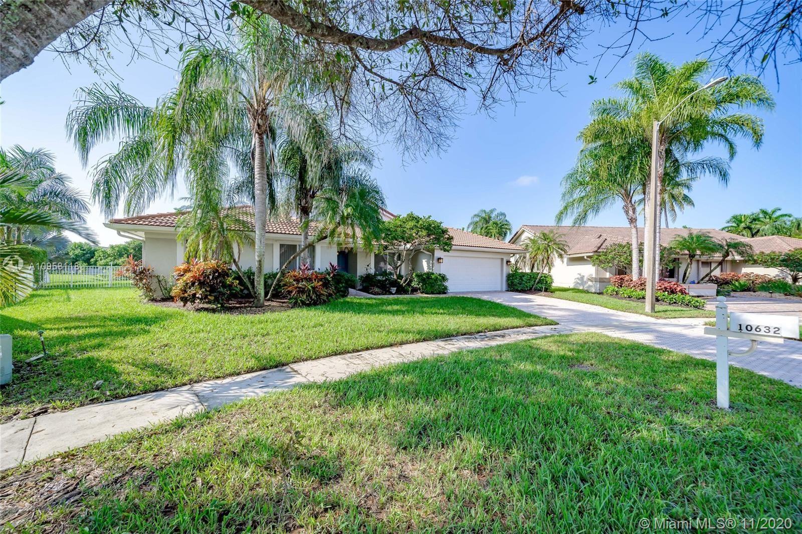 Photo of 10632 NW 7th St, Plantation, FL 33324 (MLS # A10958118)